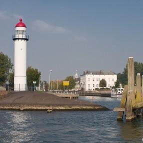 D66 Hellevoetssluis stelt stevige vragen aan college van B&W inzake Oudenhoorn.